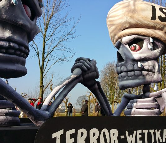 political karneval float